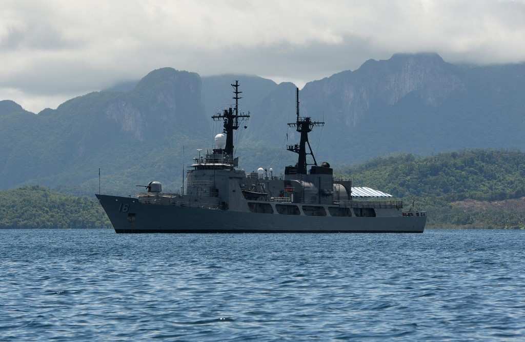 Philippines keeping 'options open' on South China Sea