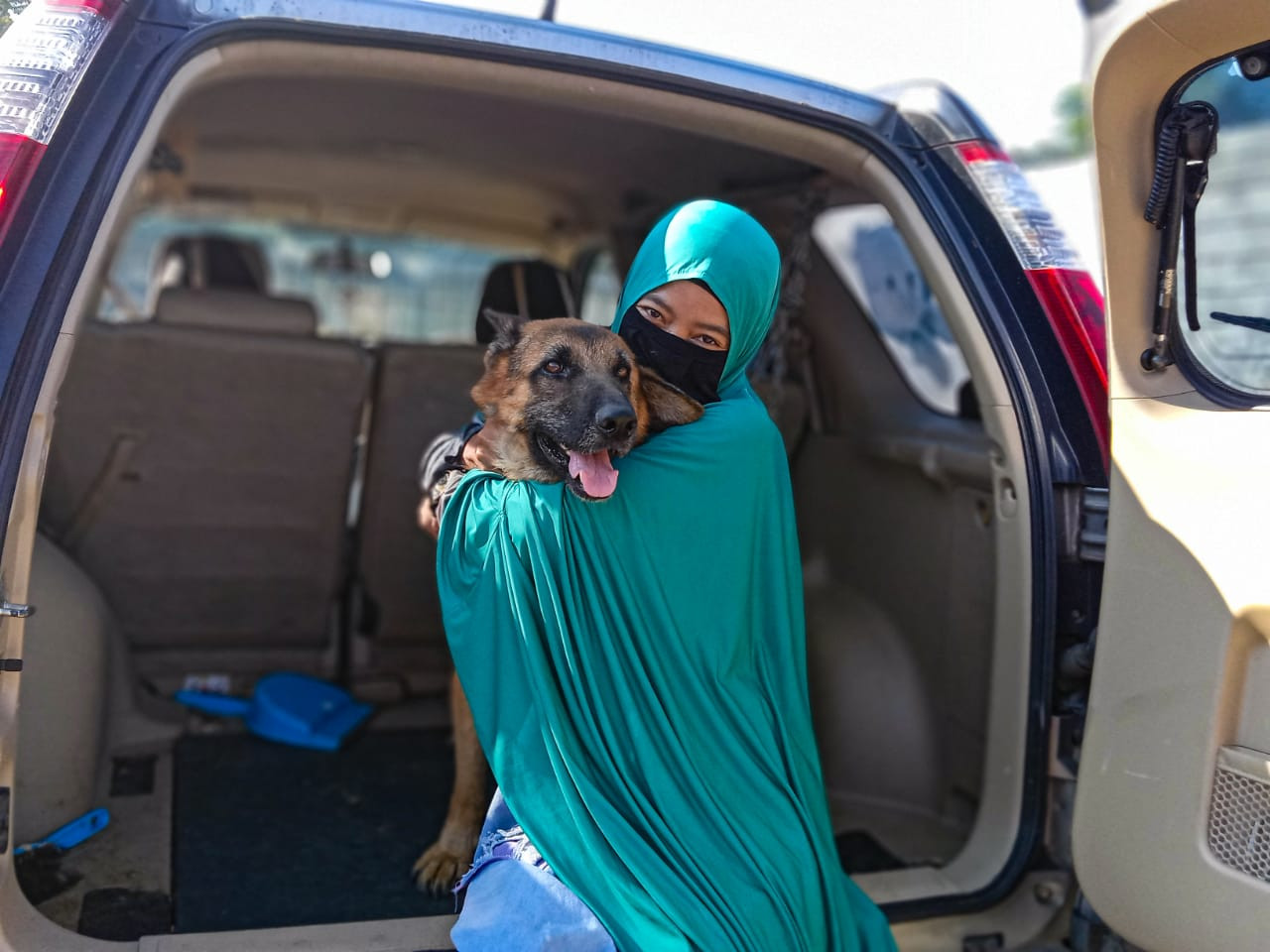 Muslim lady and the tramp: Meet the unlikely dog whisperer