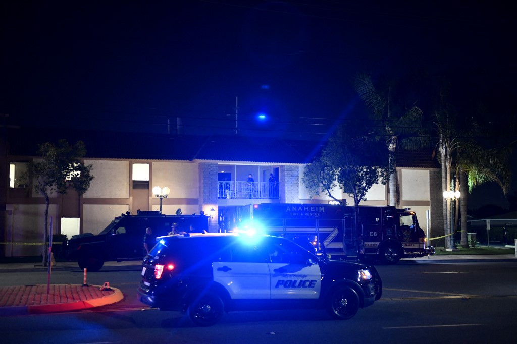 Four reported dead, 2 wounded in mass shooting south of Los Angeles