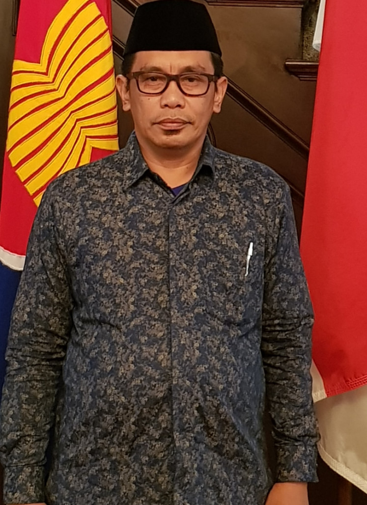 Muammar Bakry, the dean of the School of Sharia and Law at the Alauddin State Islamic University (UIN) of Makassar, says the cathedral attack does not reflect religious intolerance in the city, but he admits there is a rising number of radical groups in universities.