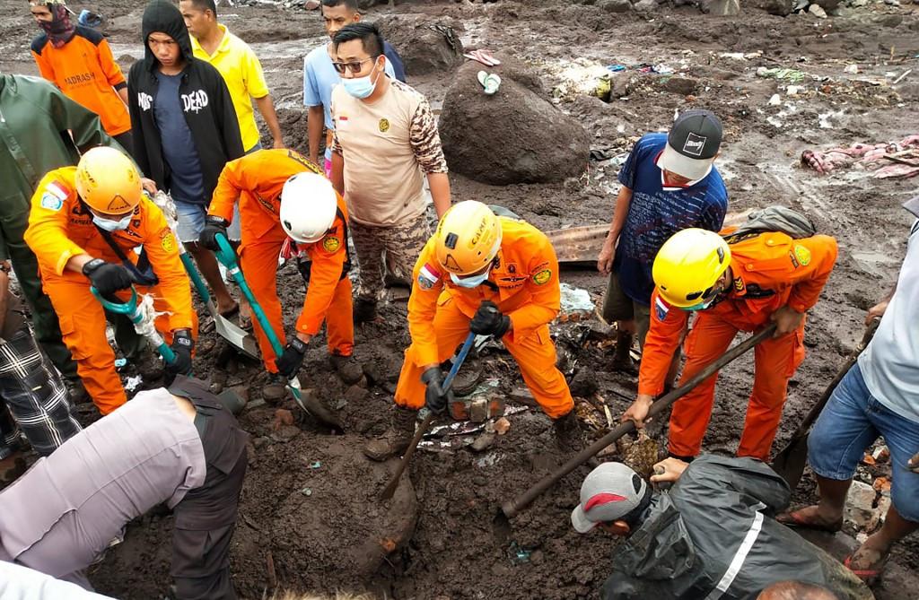 More than 90 dead in Flores, Timor Leste floods, dozens missing