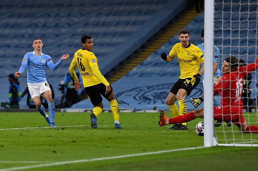 Foden hands Man City late advantage against Dortmund