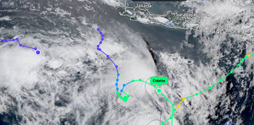 New cyclone barrels toward South Sumatra, Java and Bali
