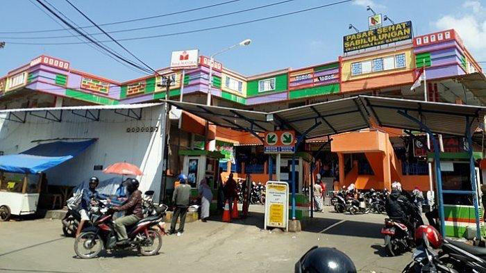 Pandemic-battered wet markets survive by going digital