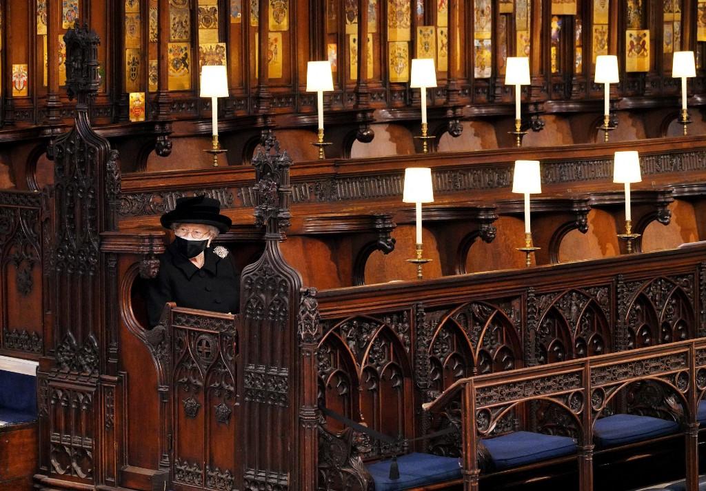 Sombre mood as grieving Queen Elizabeth II turns 95