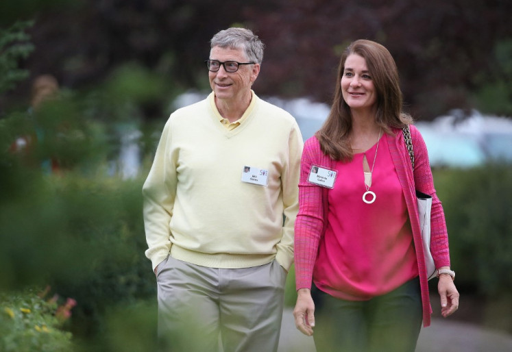 In this file photo taken on July 11, 2015 Billionaire Bill Gates, chairman and founder of Microsoft Corp., and his wife Melinda attend the Allen & Company Sun Valley Conference in Sun Valley, Idaho. Bill Gates, the Microsoft founder-turned philanthropist, and his wife Melinda are divorcing after a 27-year-marriage, the couple said in a joint statement Monday. (AFP/Scott Olson). Usage: 0