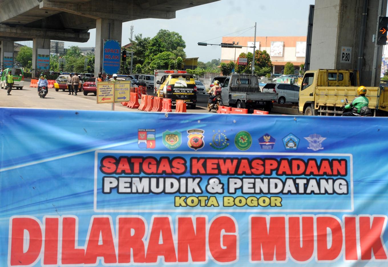 Last minute ban on local 'mudik' leaves regions baffled