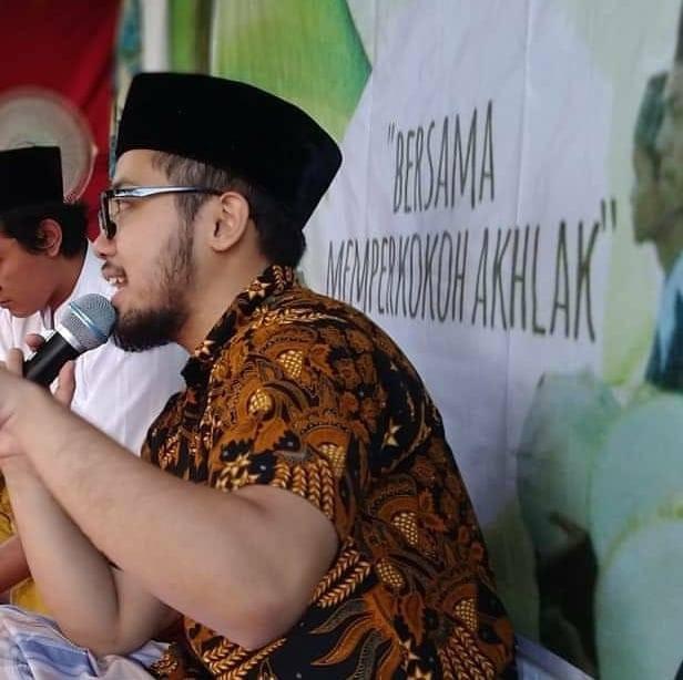 Merasa tidak terlihat: Bertahun-tahun setelah keluar, bagaimanapun, Amar Albiker merasa tidak terlihat di antara sesama LGBT Indonesia, terutama selama diskusi.