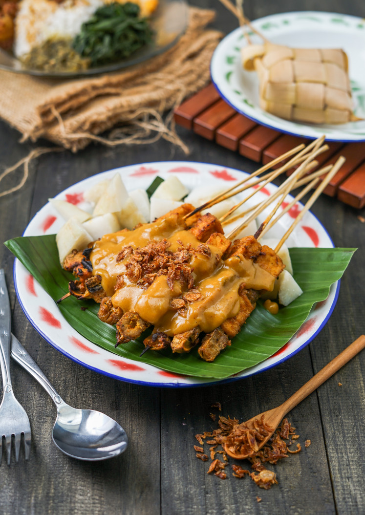 Popular: The vegan version of Loka Padang on Padang satay is one of their best dishes.  The restaurant refuses to use fake meat in its ingredients and only focuses on herbal options.