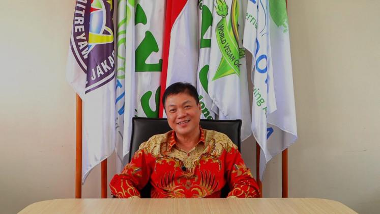 Pasar yang Menjanjikan: Dr. Susanto Tsing, Dokter dan Presiden Masyarakat Vegetarian Indonesia dan Masyarakat Vegetarian Indonesia (IVS-VSI), telah mengamati pertumbuhan pasar makanan vegetarian di Indonesia.